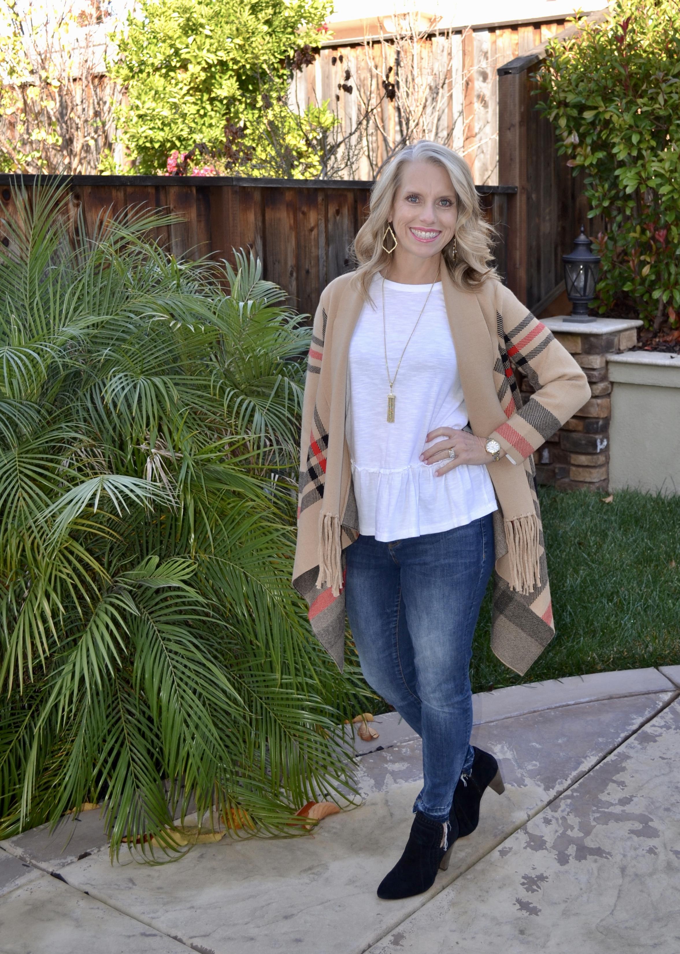 Eva Trends Fringed Sweater