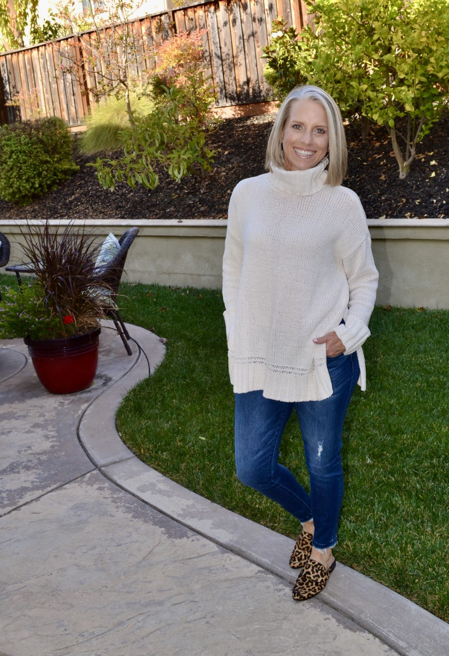 Aerie sweater, Coast to Coast Friday Favorites