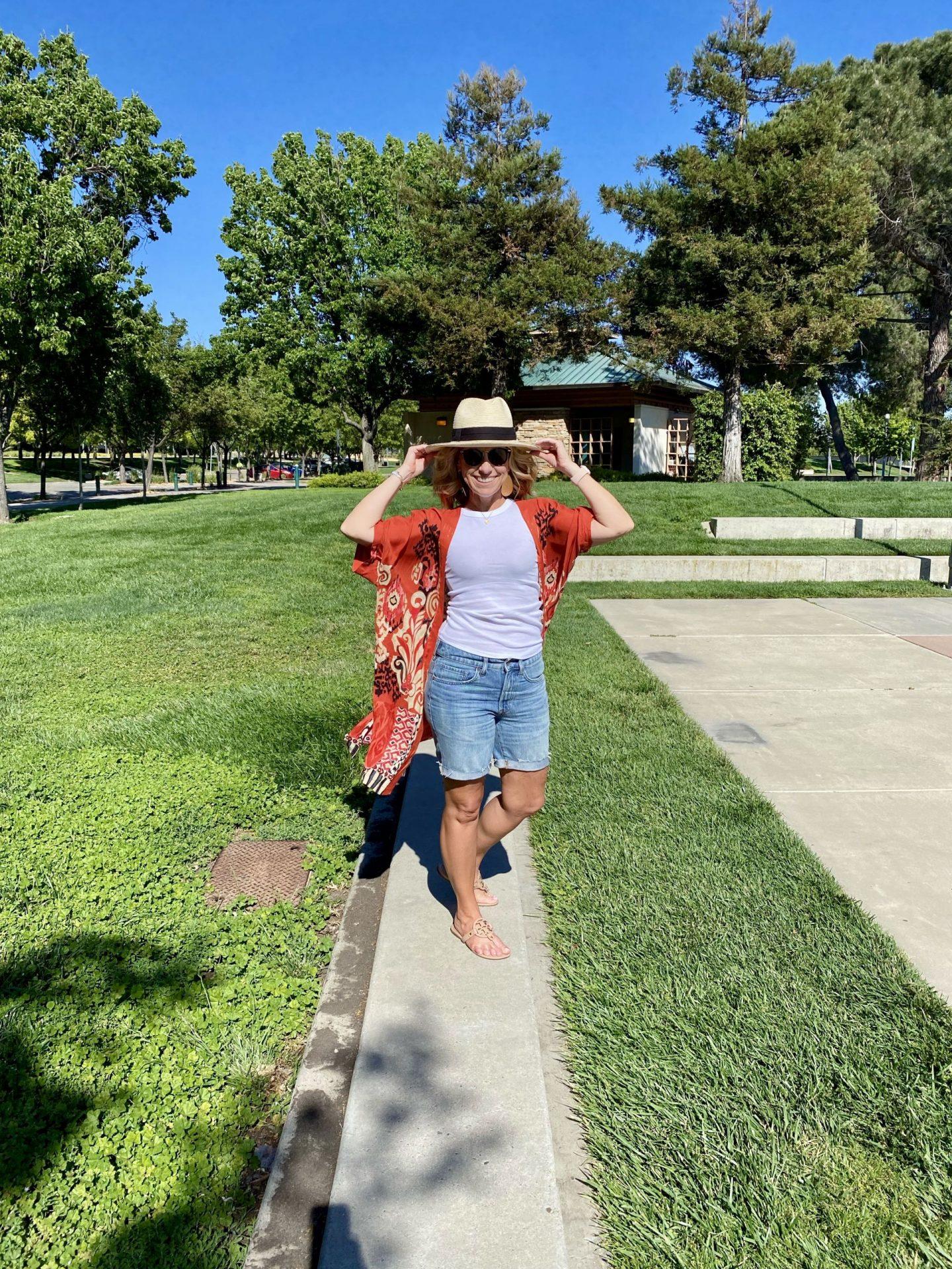 Kimono and denim shorts for Summer