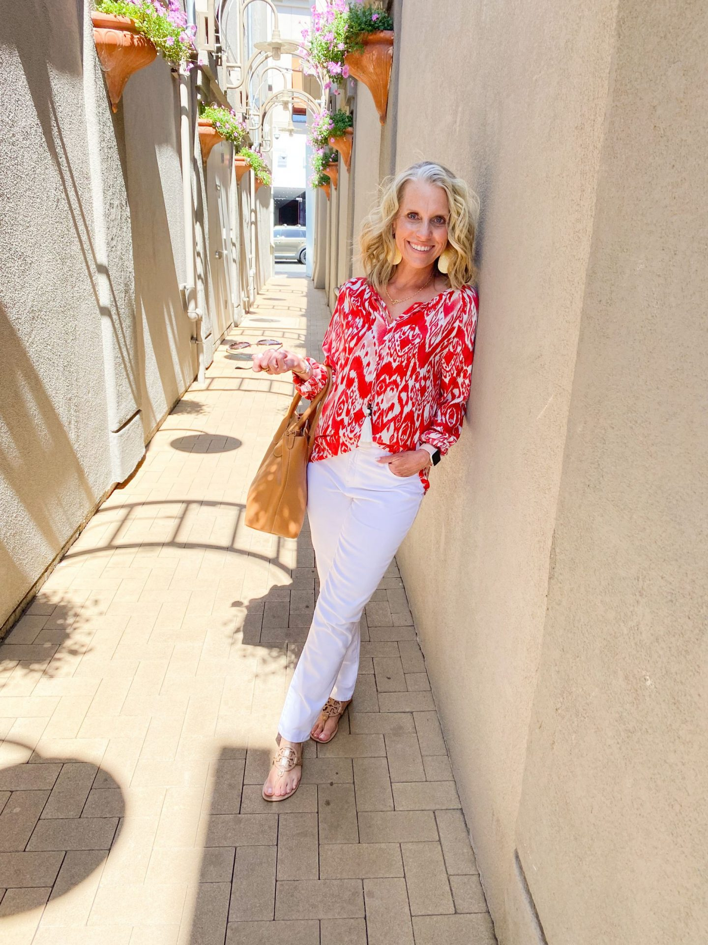 summer must have white jeans